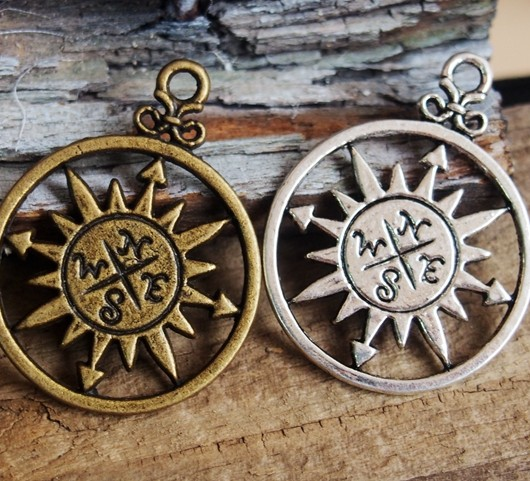 compass-pendants