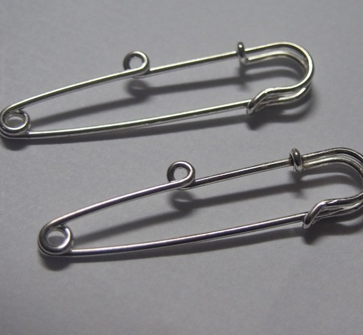 silver-kilt-pin-with-one-hole